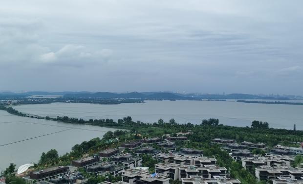 华侨城原岸T1户型简约软装设计方案
